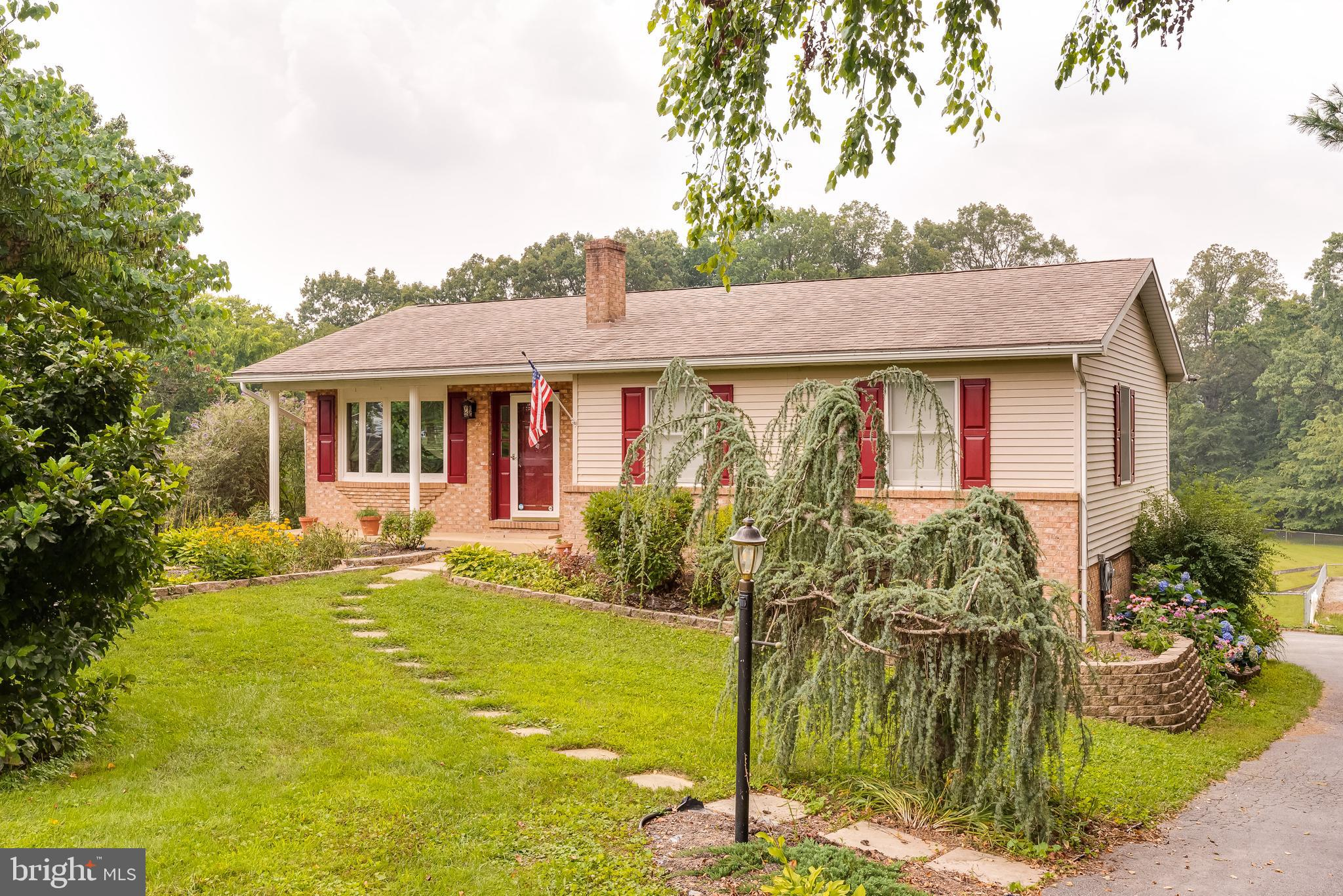 Well maintained ranch home on over 1.5 acres.  Great location. 3 Bedrooms 2 full bathrooms.  Kitchen