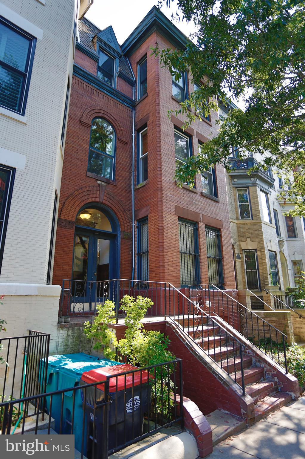 AMAZINGLY located front-facing, true 1 BR on 2nd floor on one of D.C.'s most charming blocks! Newly