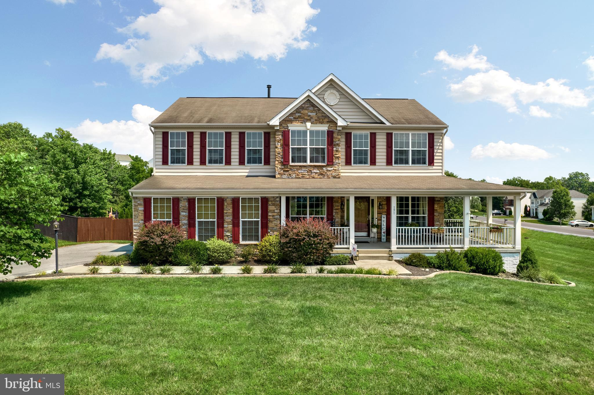 SHOWSTOPPER! This gorgeous well designed home truly has it all! Featuring 6 bedrooms, 3.5 baths, a f