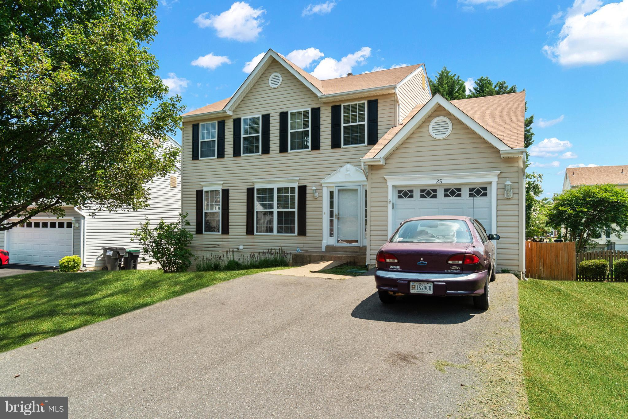 AWESOME PARK RIDGE COLONIAL AWAITS NEW OWNER.  THREE FINISHED LEVELS FEATURE 4 BEDROOMS, 3.5 BATHS,