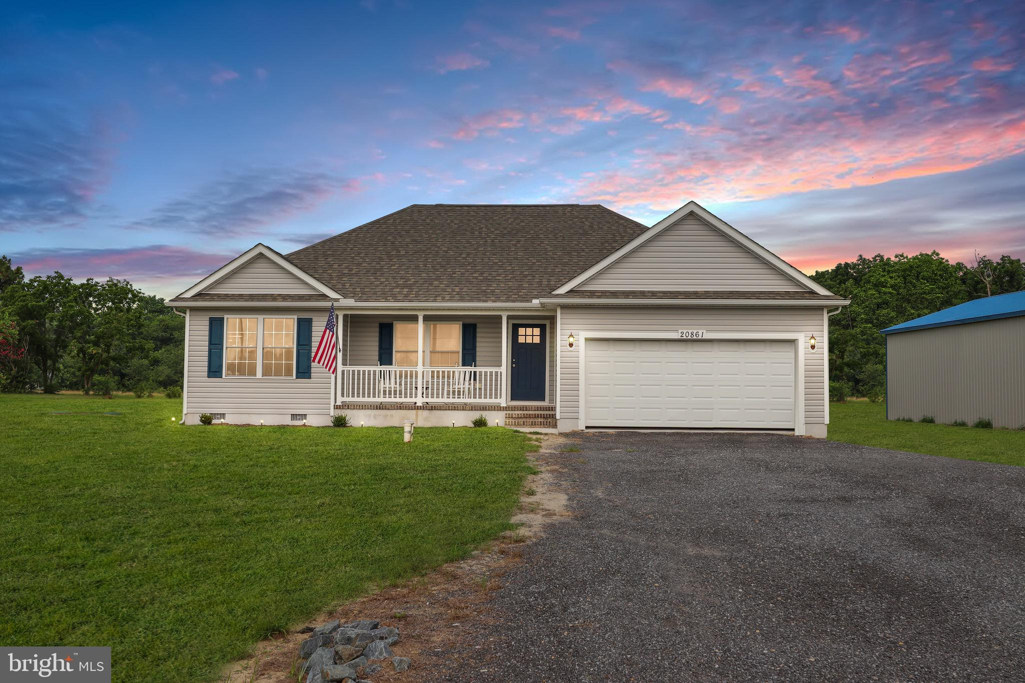 Welcome to Southpointe Crossing - a quiet community with easy access to Rt. 13 and Alt. 13. This ran