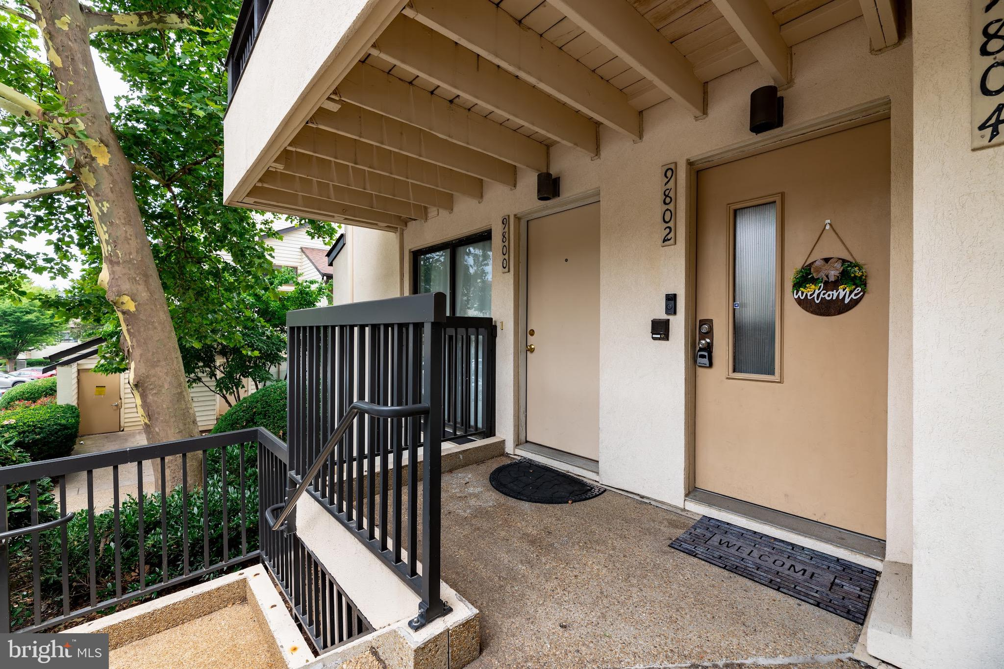 Welcome to this townhome style condo! Sun-filled, 2 bedroom, 1 bath home, corner unit. Open concept