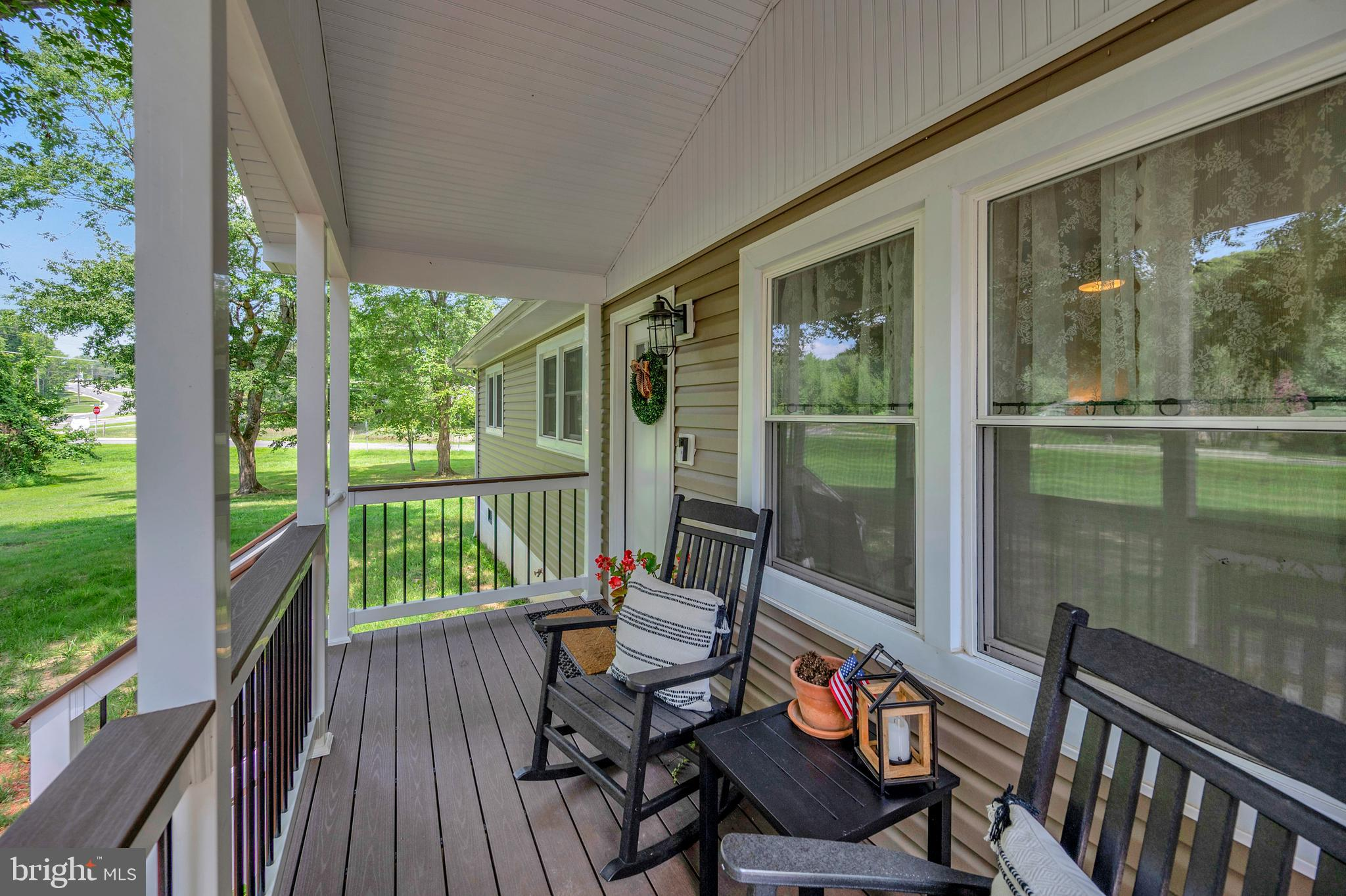 Wow! Fantastic opportunity one level living HGTV inspired , No HOA , Premium 1 acre lot in Stafford