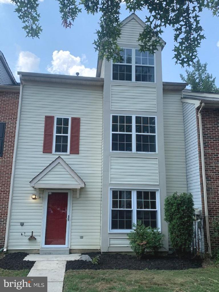 Bring your pickiest buyers to this newly renovated 4 bedroom 3.5 bath Townhouse in Dorchester. Every