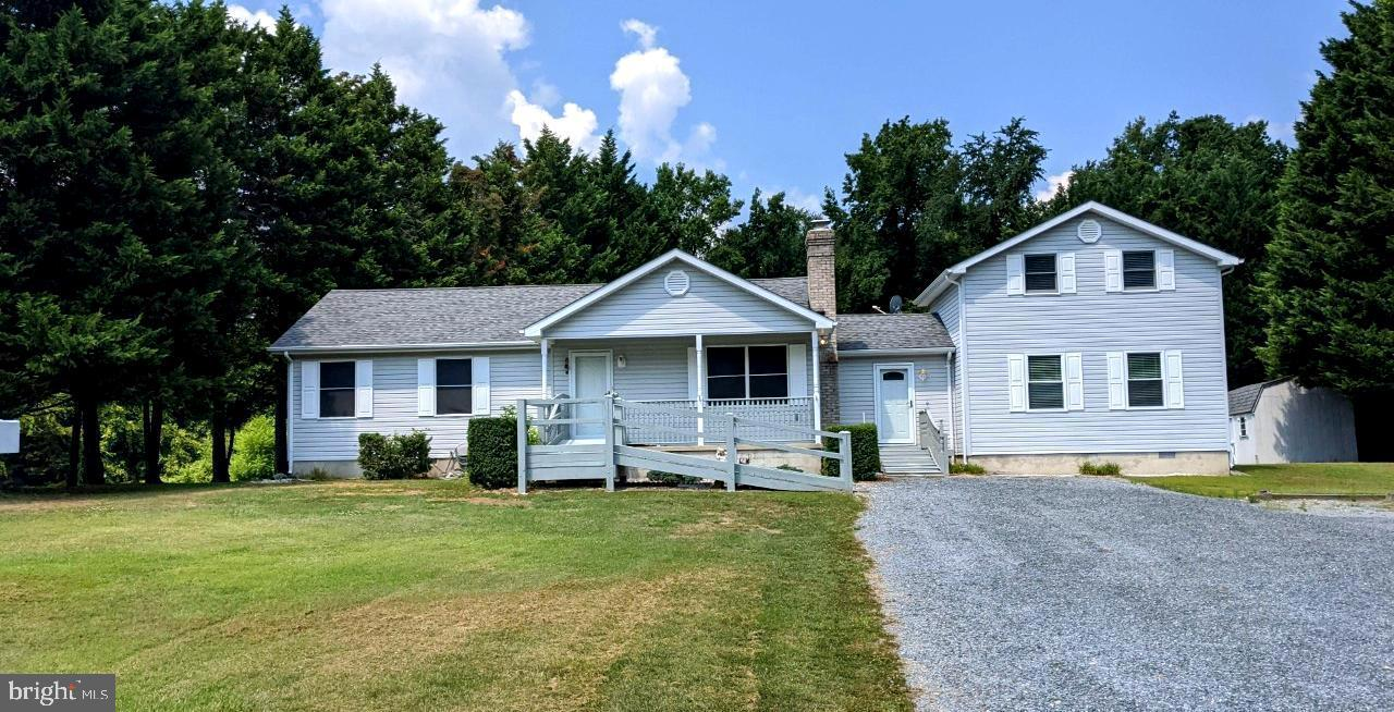 OUTSTANDING  OPPURTUNITY TO PURCHASE IN THE TAYLOR RUN SUBDIVISION! THIS WELL MAINTAINED RANCHER IS