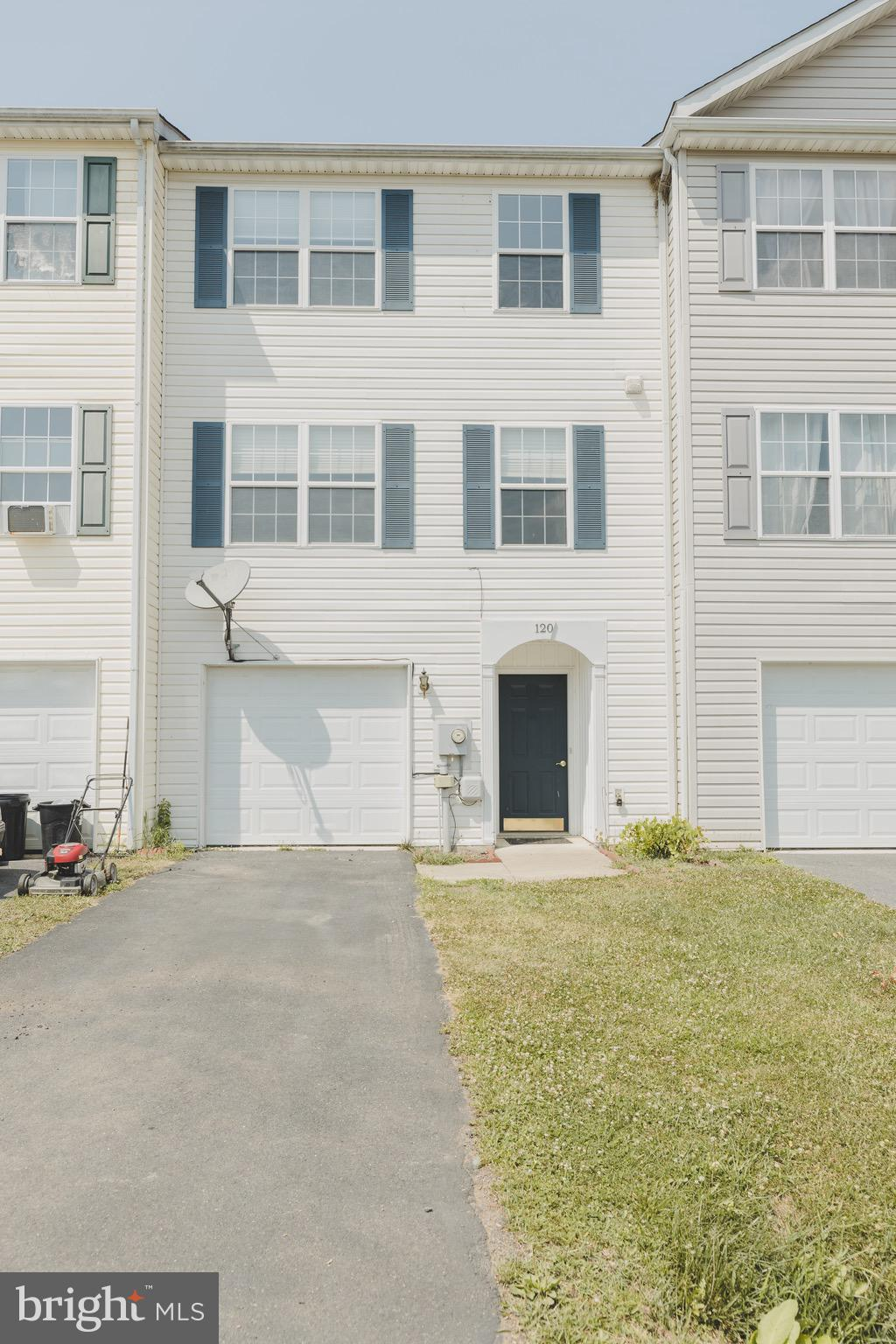 This three story townhouse in the beautiful Community of Mills Farm and has been updated to feel fre