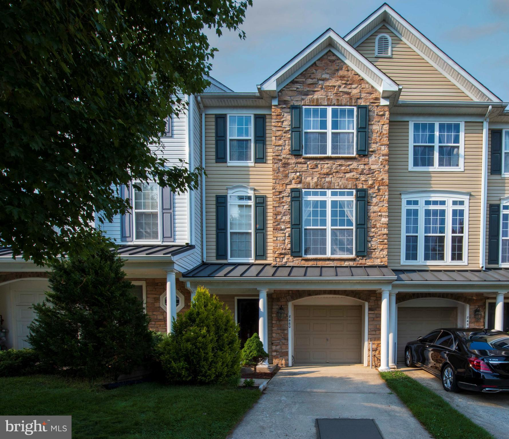 An incredible townhome in the heart of Emerson, 3 BR, 2 Full and 2 Half BA. Emerson is a newer commu