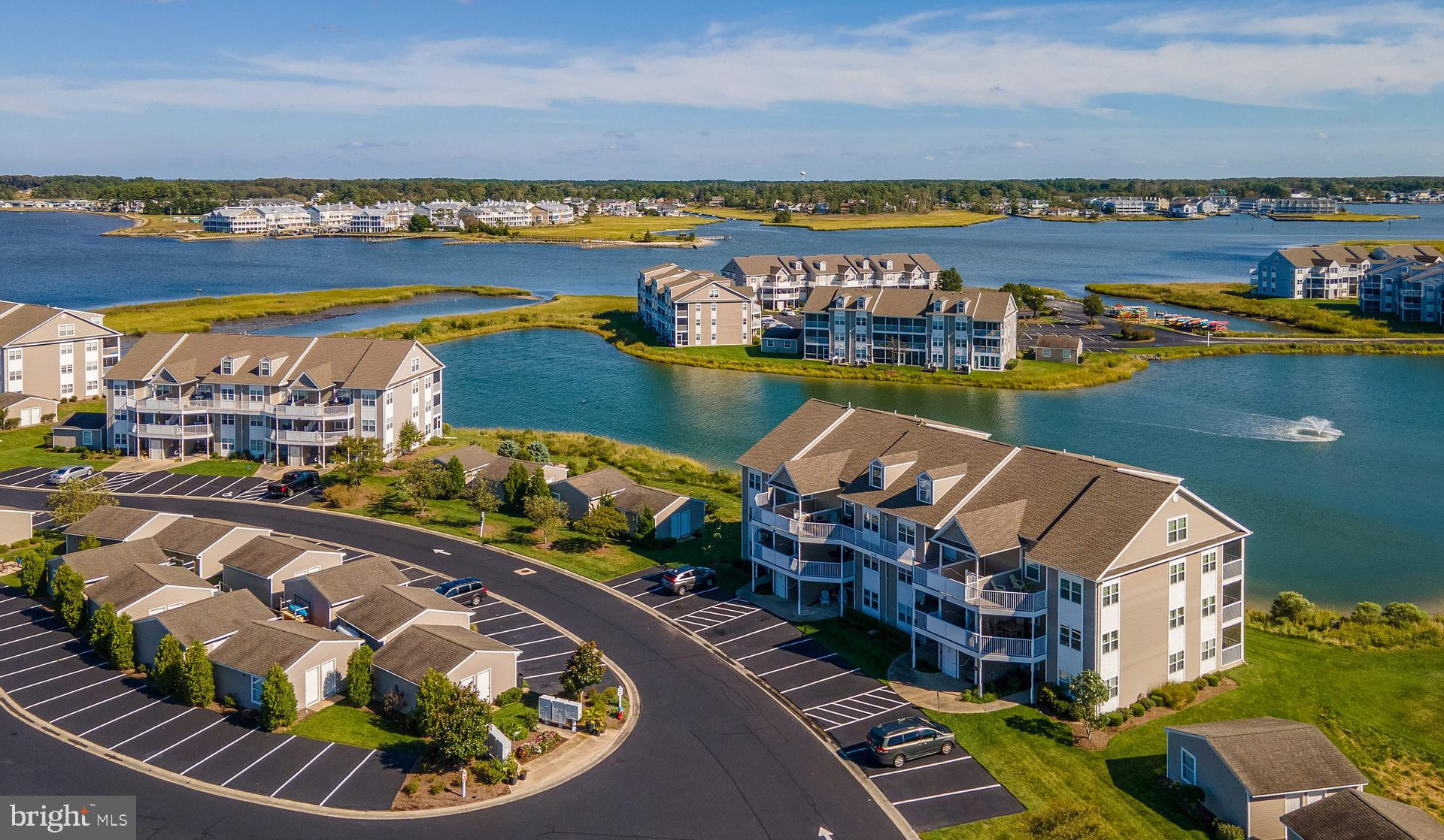 Spectacular, direct water views greet you the moment you walk in the front door! With water views fr