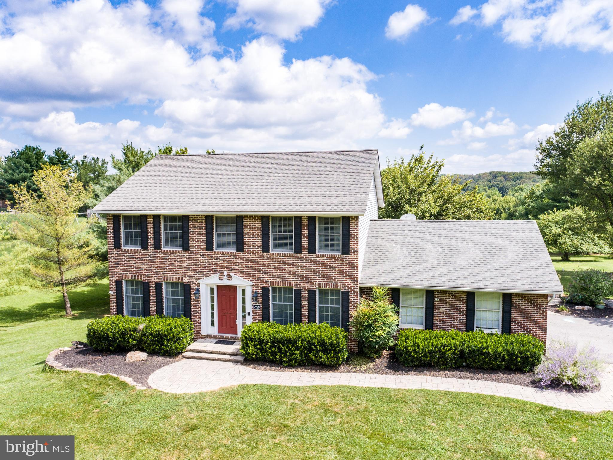 Welcome home! This 4 bedroom brick front colonial is sure to please your pickiest buyers! Bright & s