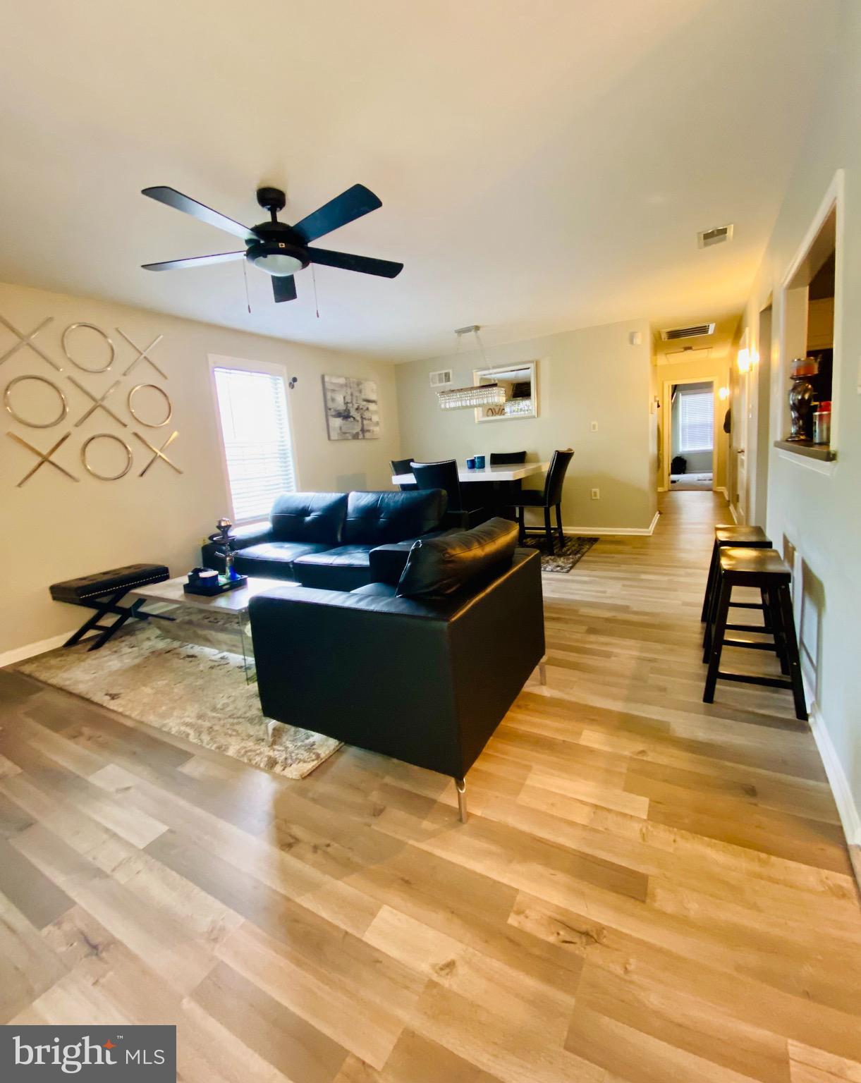 Get ready to move into this contemporary beauty! Meticulously updated condo/end-unit townhome in the