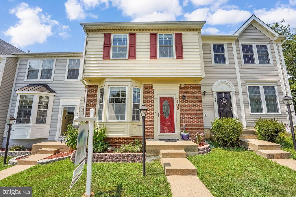 Here's your chance again! Buyer's financing fell through. Gorgeous 3 Level Townhouse,  Renovated fro