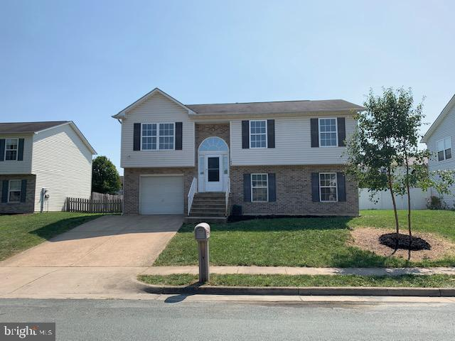 Nice 3 Bed 2 Bath spilt foyer home in the wonderful community of Dominion Knolls. This location is c