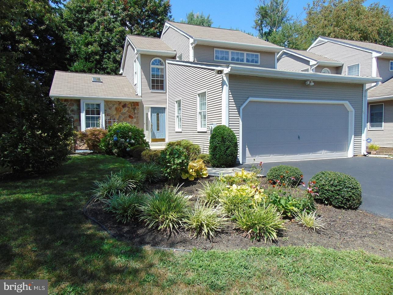 Rarely available 3BR, 2 BA contemporary  in the community of Evergreen in the City of Newark! Large