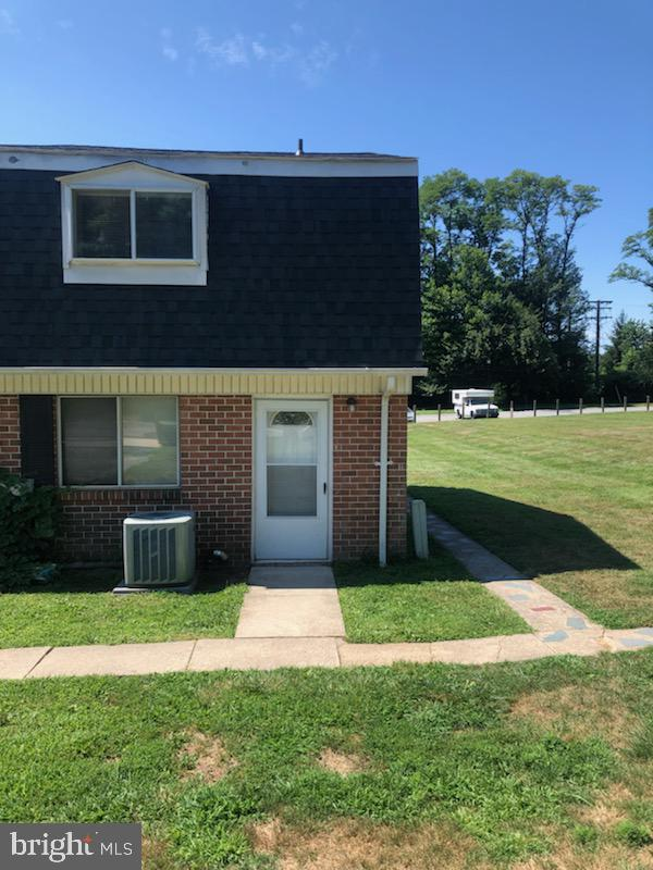 Fantastic 2 bedroom 1 bath home with a basement located in a quiet community waiting for new owners!