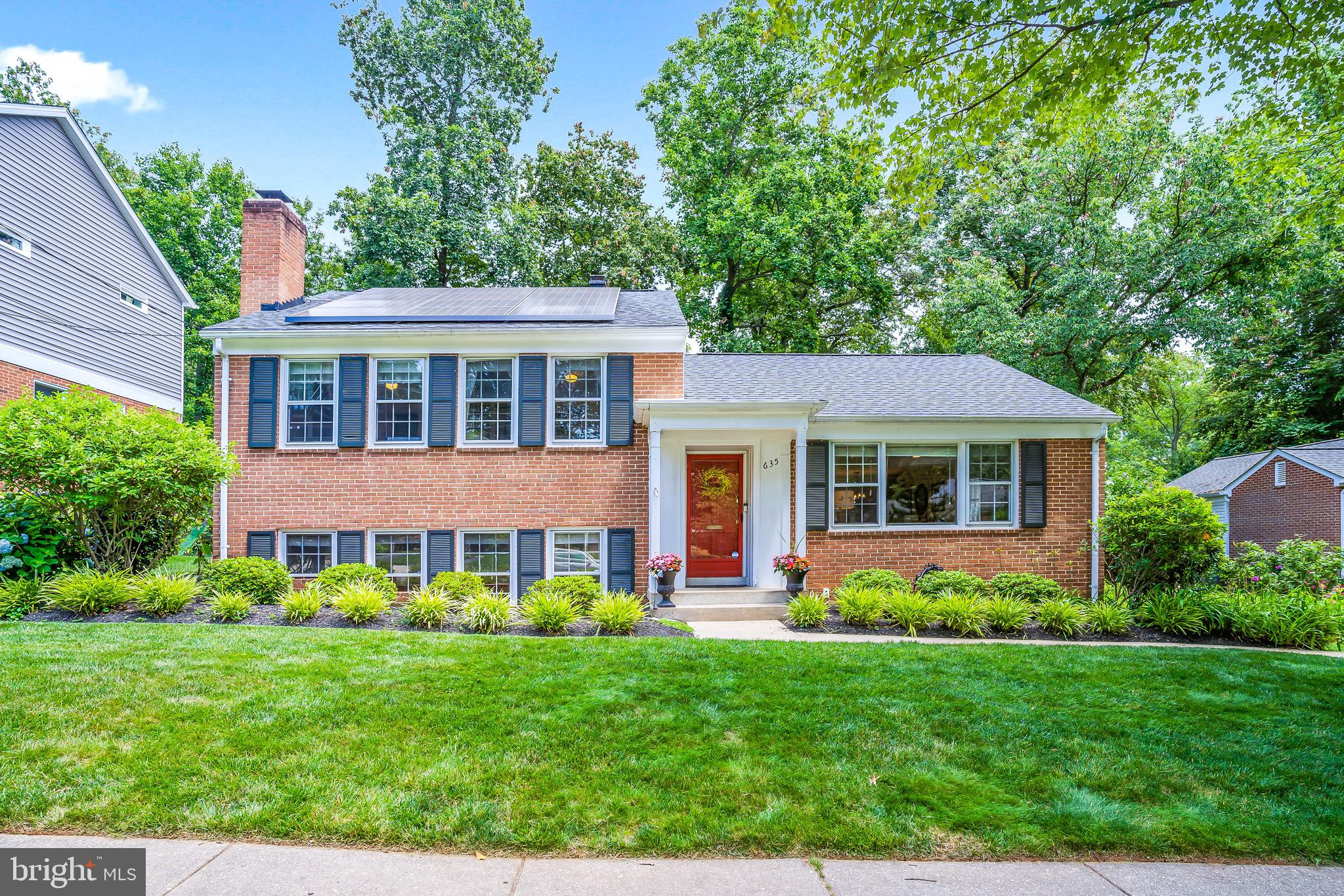 Nestled in the desirable Woodley Gardens, this light filled, beautifully renovated home is one you c