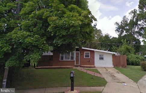 This is the best-priced home in the area.   Large fenced-in yard. Quiet Cul-de-sac.