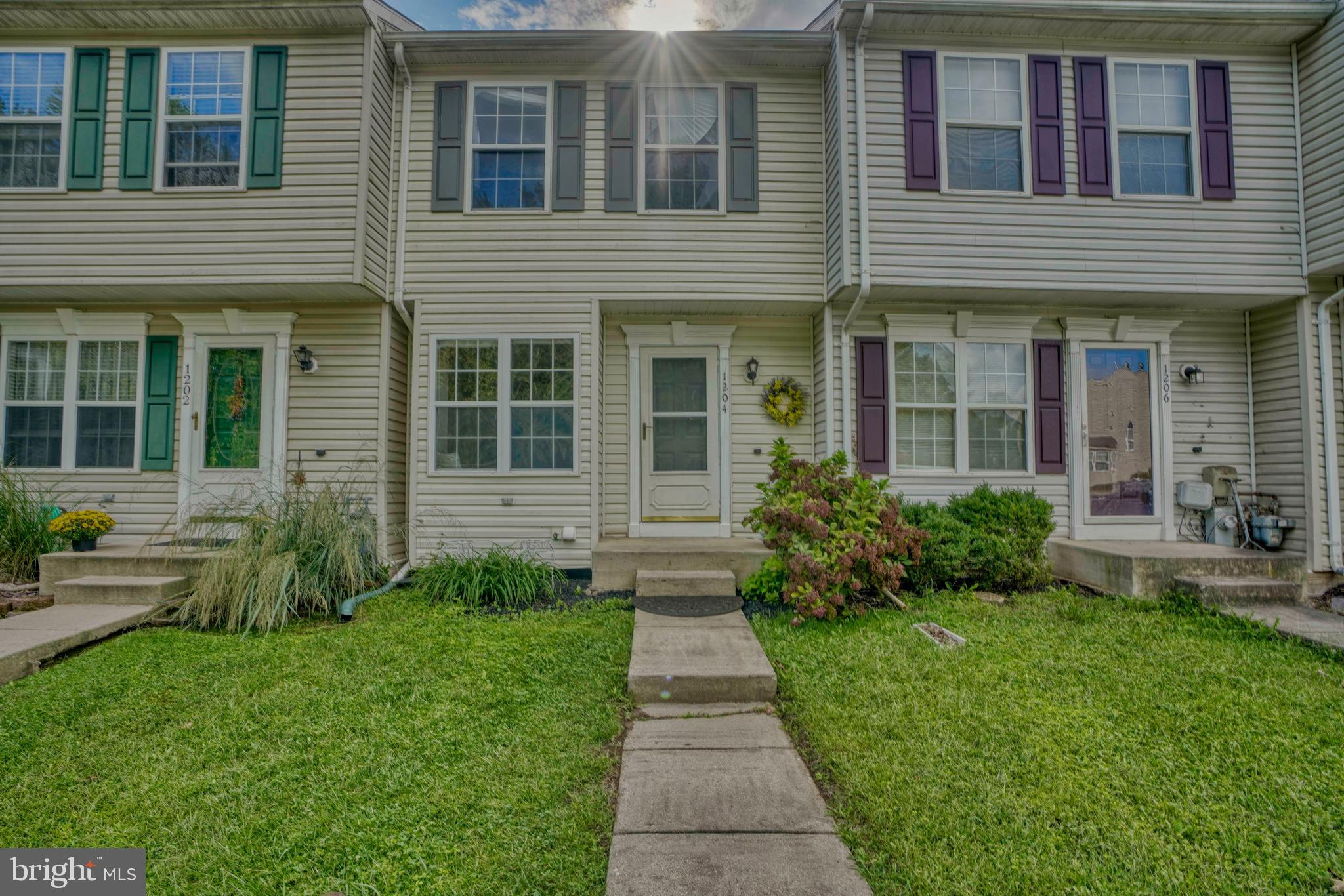 Move in Ready 3 bedroom townhome in Harford Town.  Main level features hardwood floors, updated kitc