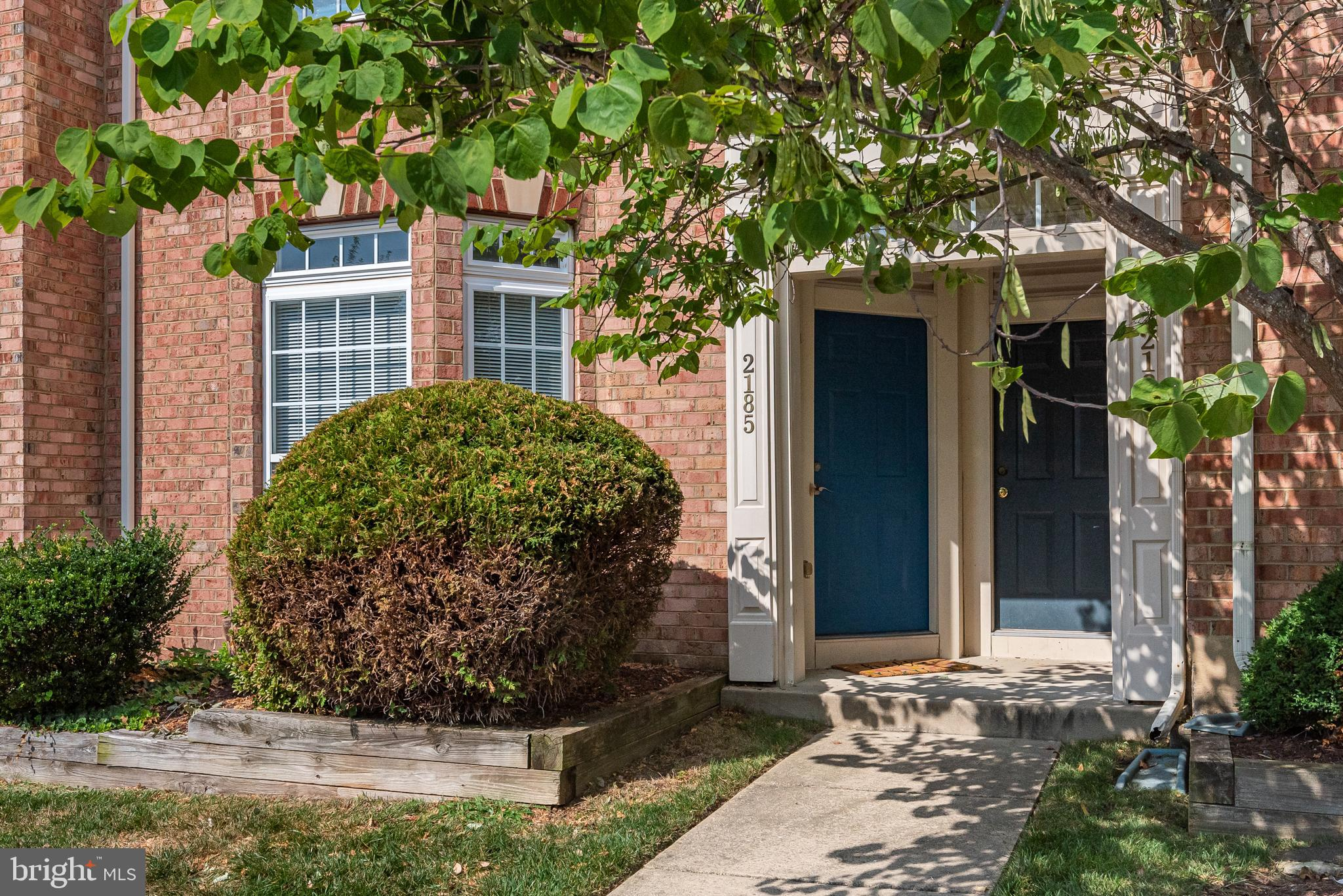 Welcome to 2185 Ivy Lane. Conveniently located in the heart of Chesapeake Beach, you are going to lo