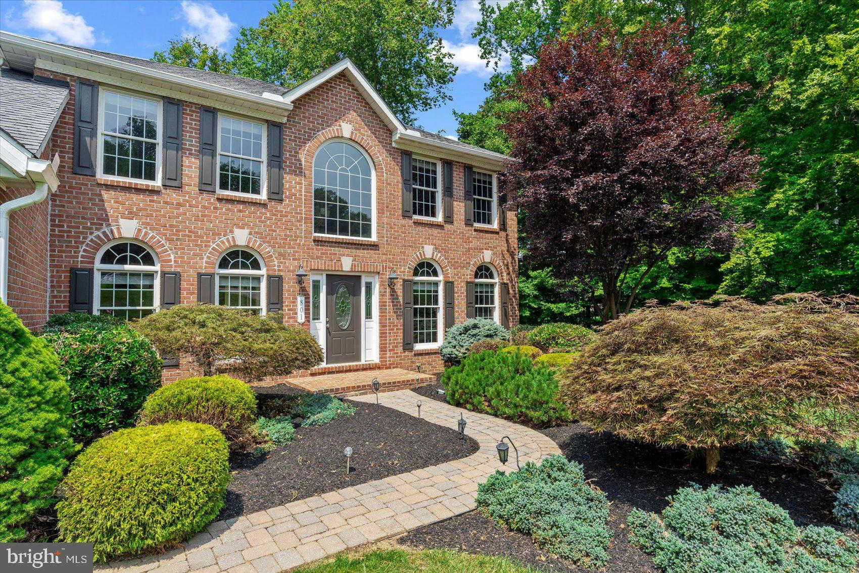 Gorgeous 5 Bedroom 3.5 Bath,2 Car Garage, 4k +/- Sq Ft  Home In Sought After Cedarday Community! Wal