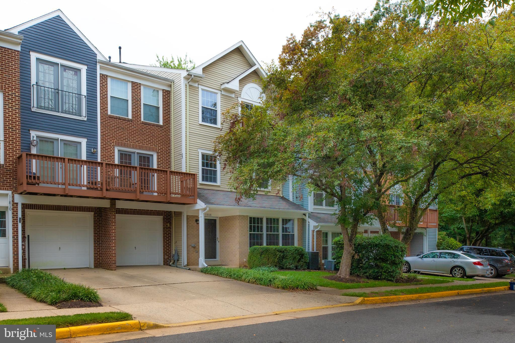 Welcome to this Carriage Park Community. Three Level Townhome - Condo with Garage in the heart of Fa