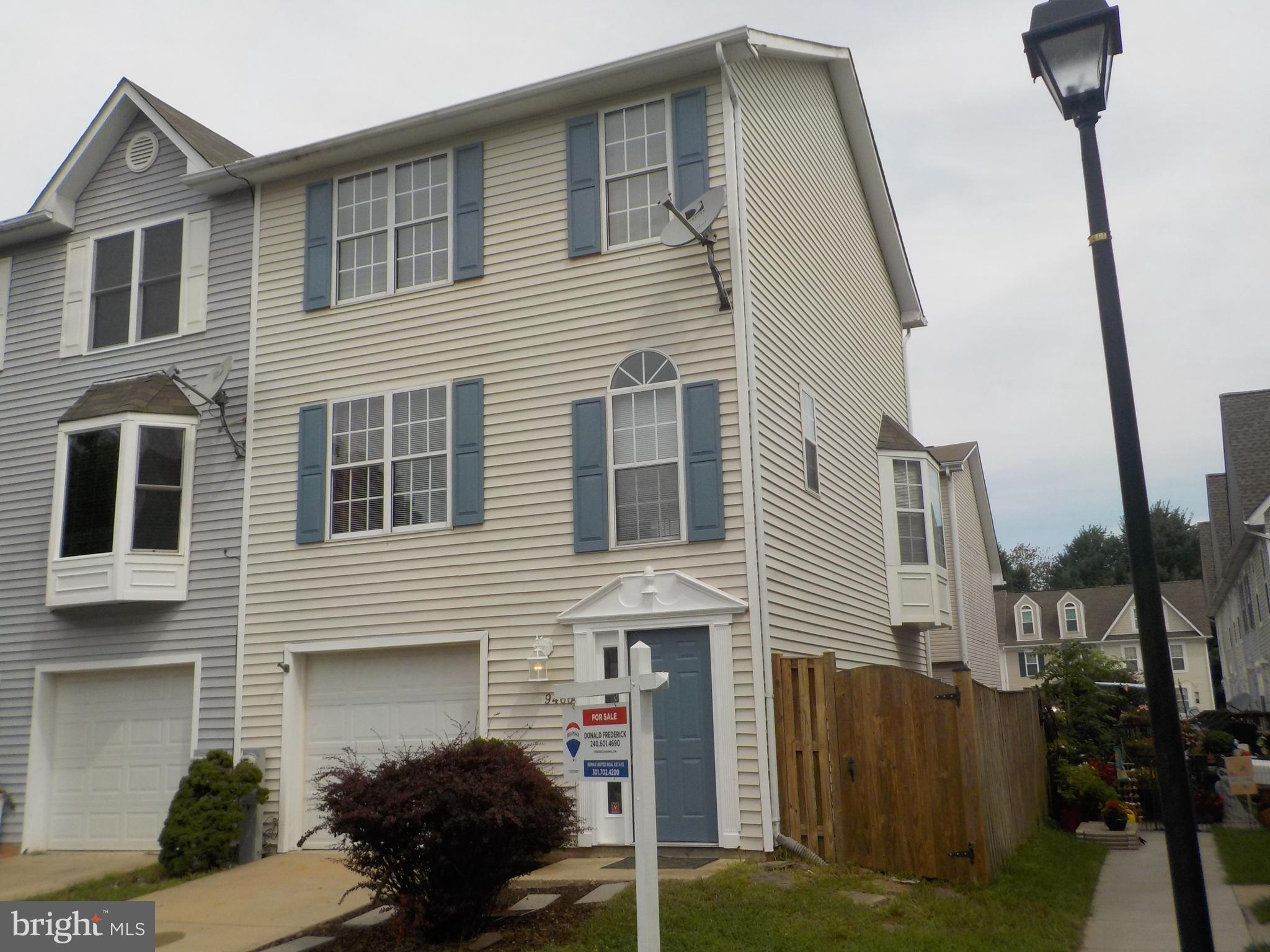 FANTASTIC TOWNHOME IN NORTH BEACH WITHIN WALKING DISTANCE OF THE CHESAPEAKE BAY AND THE NORTH BEACH