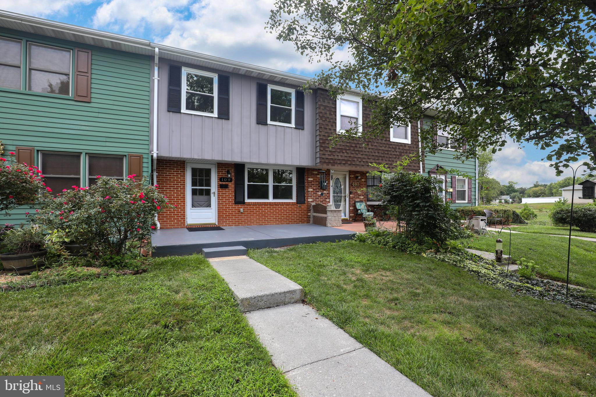 Affordable downtown Berryville living.  No stone left un-turned in this completely remodeled townhom