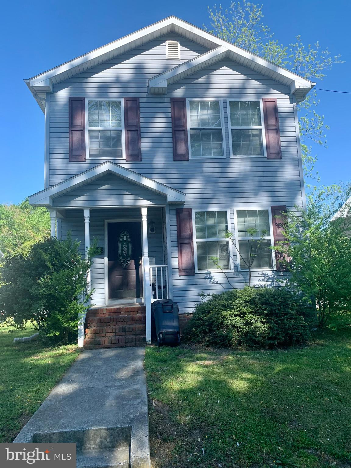 Affordable 2-story Colonial home is a must see! Enjoy your summer nights from home with the dual fro