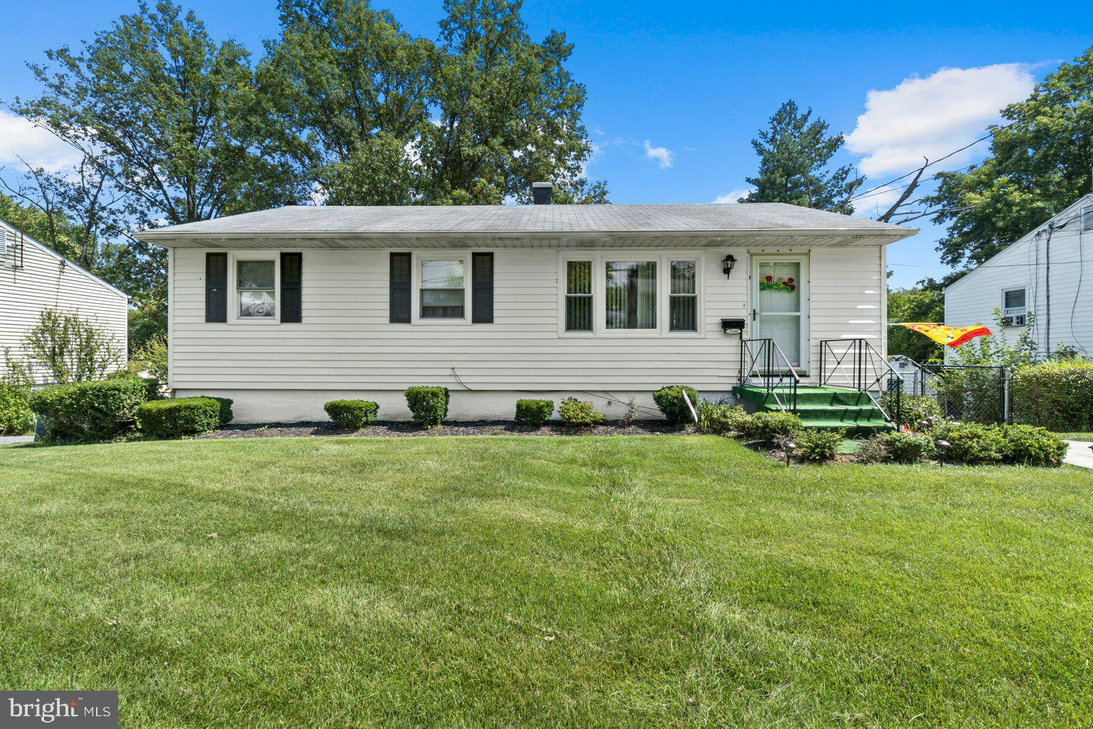 Their loss is your gain!  Last minute fall through puts this  beautifully maintained rancher in quai