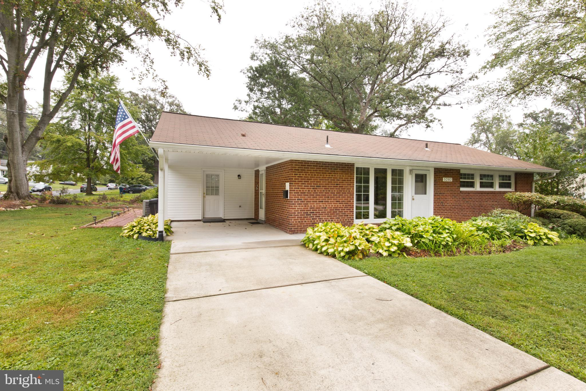 Check out this fabulous move-in ready 3 bedroom 1 bathroom North Springfield ranch house with great