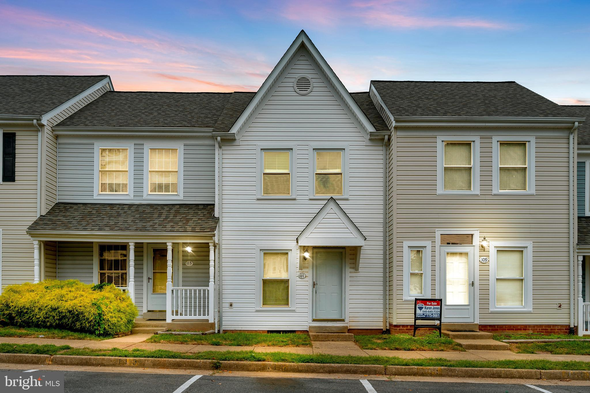 Very cozy 2 bedrooms 1.5 bath townhome. Enjoy the fully finished basement for entertaining or great for an office or home recreation. Fully enclosed rear year. Home offers washer and dryer and great location. Convenient to Quantico, Commuter Lots, VRE, I95, Restaurants, Shopping, Schools and so much more.