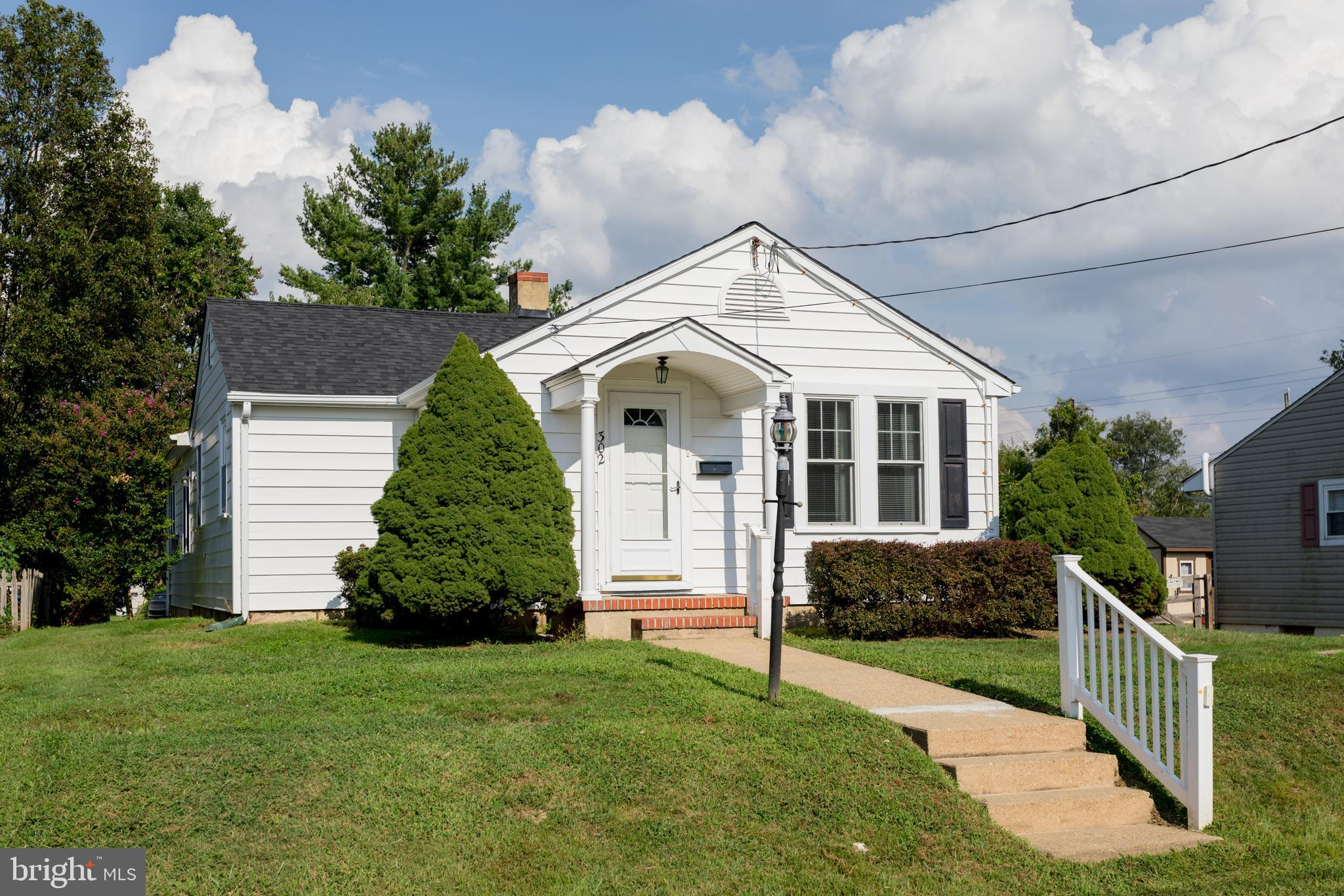 FOLLOW MY HEELS to this adorable home in Elkton Heights filled with so much charm. You will feel pri