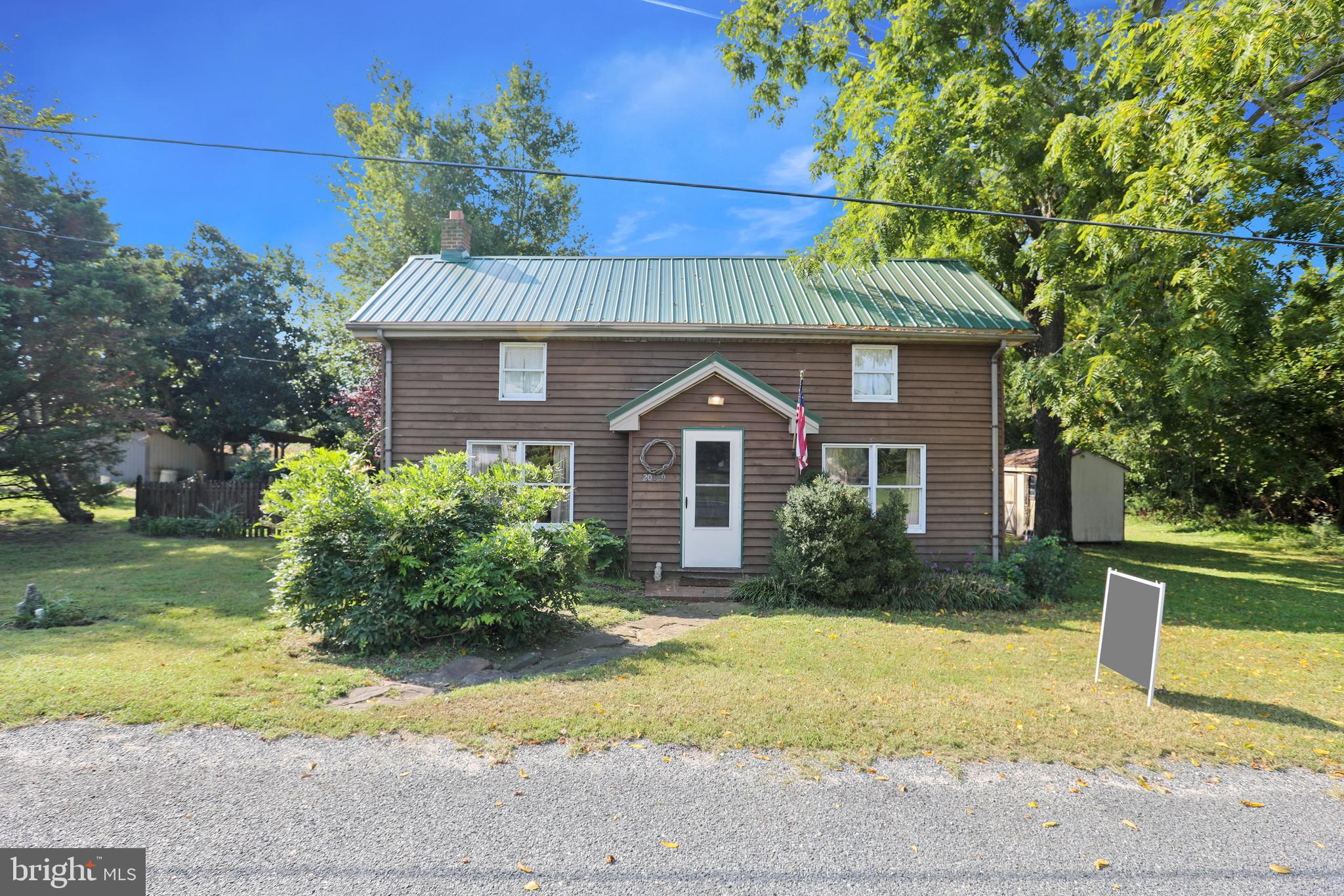 Lovingly cared for 1900 waterman's house only 100 yards from the Nanticoke River in the quaint and q