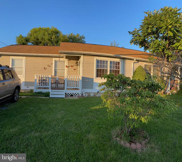 Adorable ranch in excellent location with easy access to 81 and 11.  HVAC replaced two years ago and