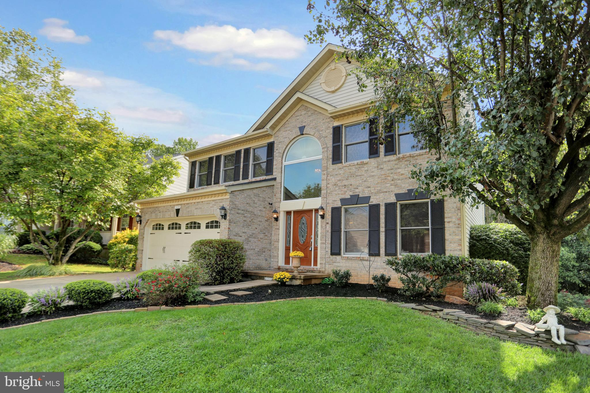 Come check out this VERY LARGE single family nestled off of Trellis Lane near Wegmans, I-95, shoppin