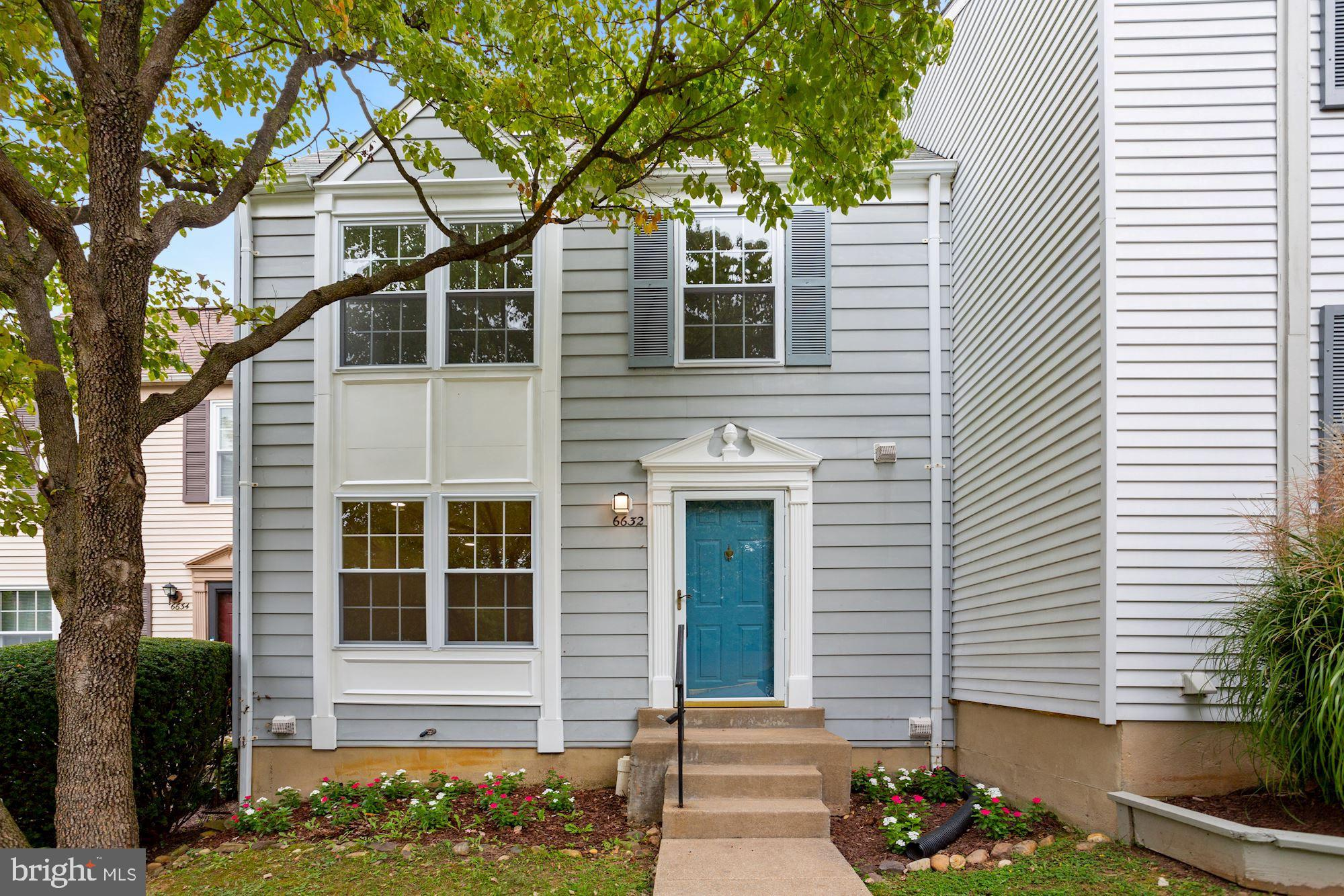 Welcome to this stunningly renovated dual master-suite townhome nestled in the sought-after Amberlei