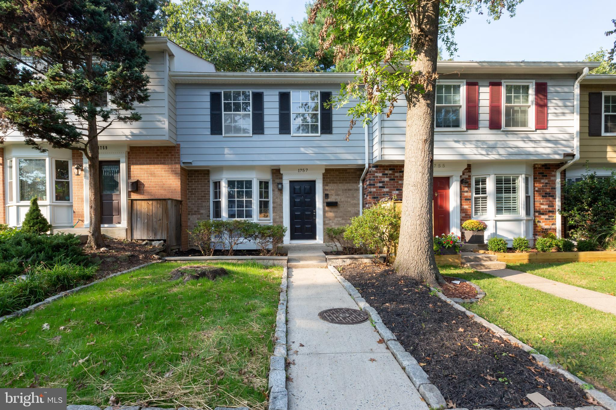 Great location!! Welcome to this move in ready and fully renovated beautiful home!  The first floor