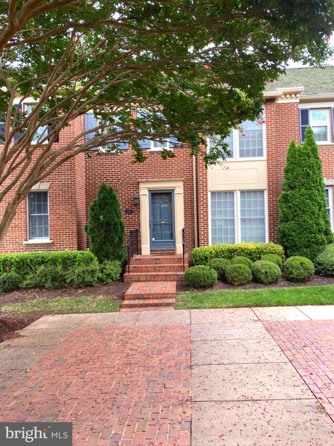 VERY ELEGANT  TH , SOUGHT WITHIN SEMI GATED COMMUNITY,  IN THE HEART OF MCLEAN,  , OFF 123, and near