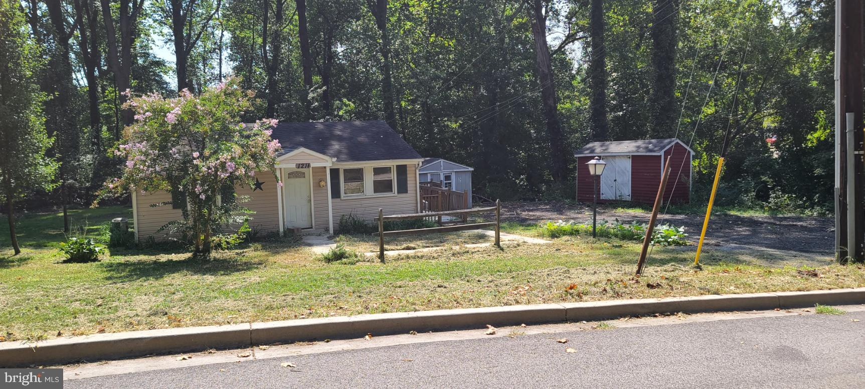 Unique 2 bedroom 1 bath home nestled along Generals Hwy, Minutes from Annapolis, National Harbor, Ba