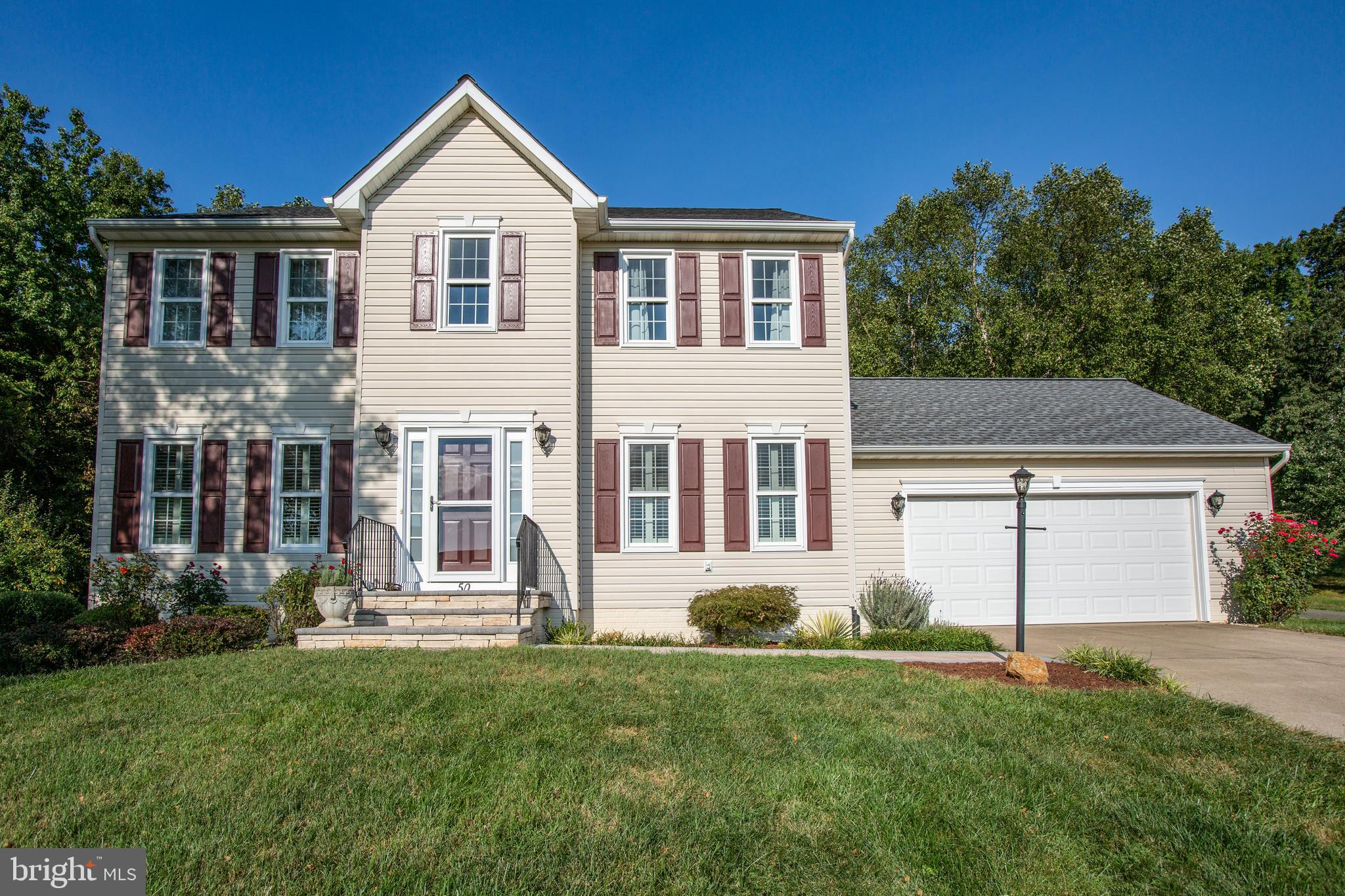 MOVE IN READY in Stafford Lakes Village.  This renovated home is ready for new owners and features m