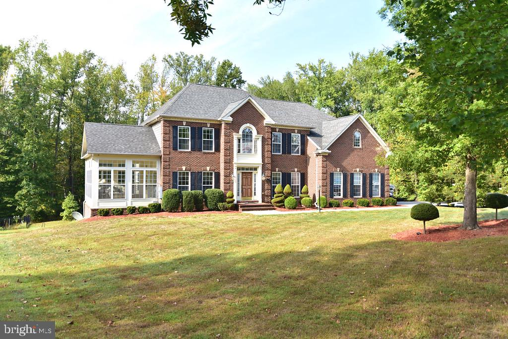 ***Multiple offers received.  Sellers plan to review all offers by 12pm on Monday, 9/27/21***WOW! Lo