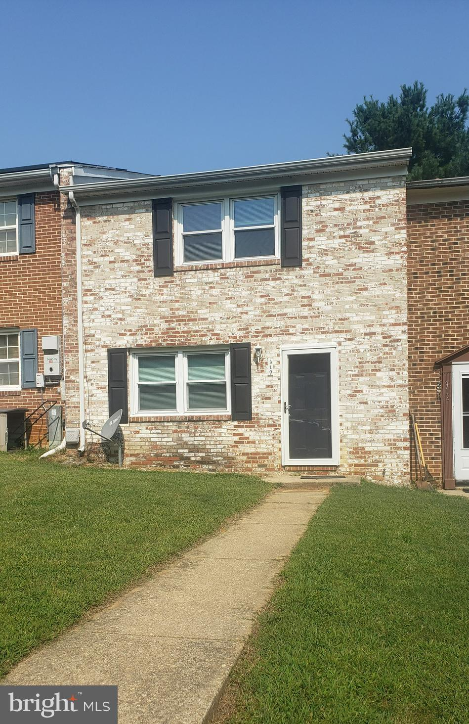 Come see this three level , 4 Bedroom townhouse located near the heart of Prince Frederick... 1800 t