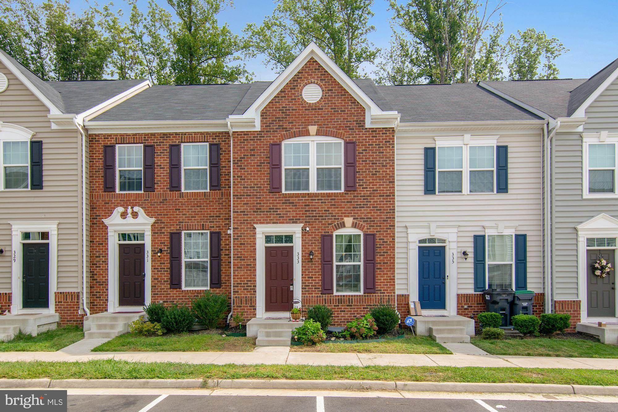 Beautiful townhome just built in 2018 located in amenity-rich Rappahannock Landing. This elegantly d