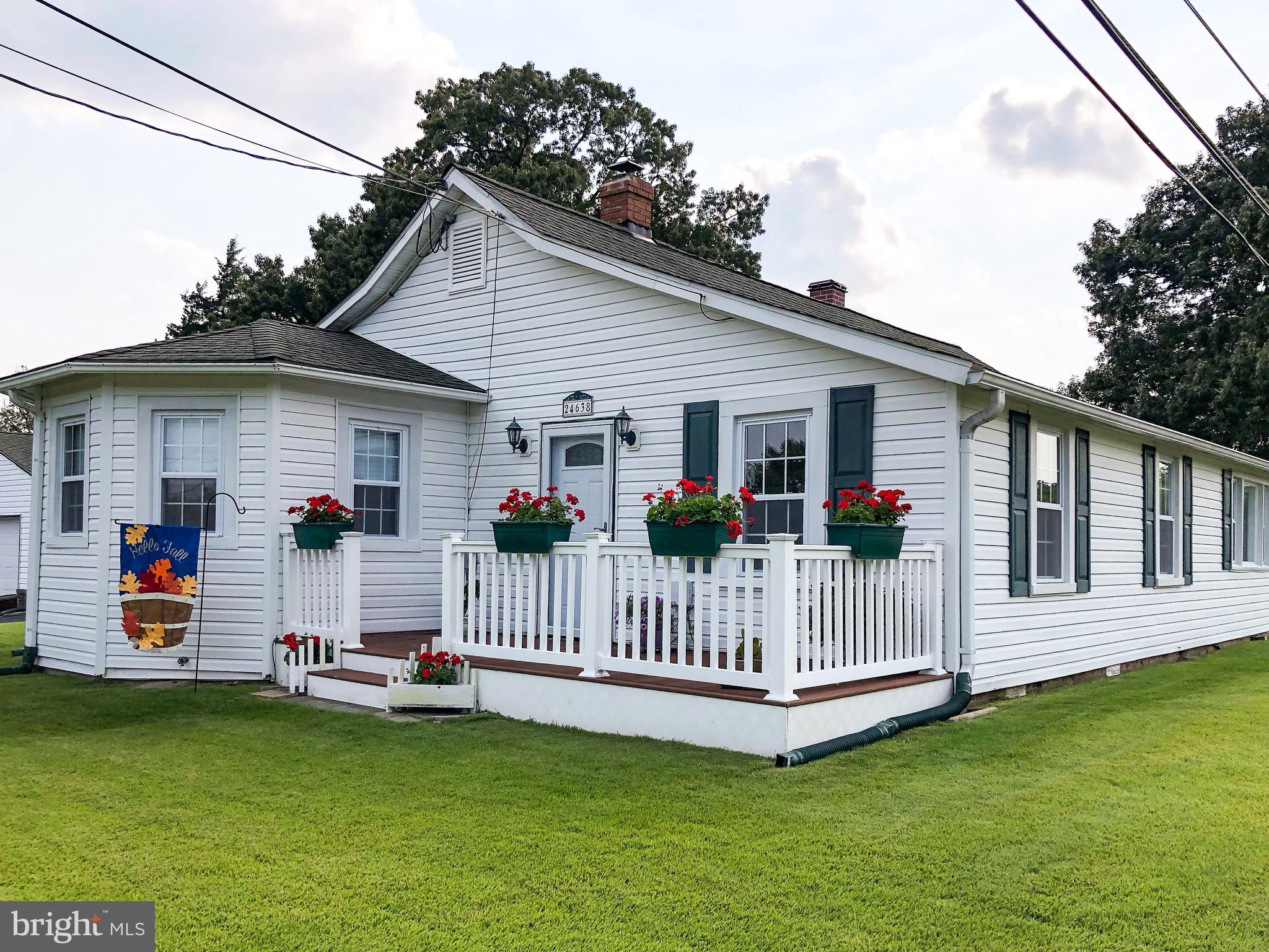 This impeccably maintained 3 bedroom, 1.5 bath home is located in Hollywood, MD, conveniently betwee