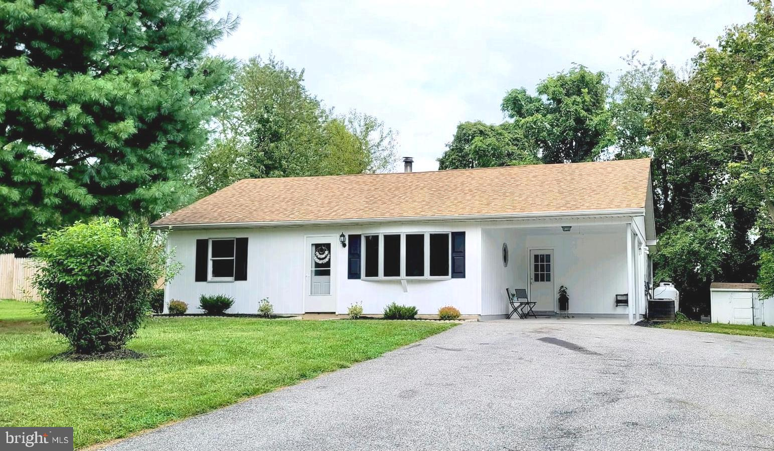 FOLLOW MY HEELS to this adorable rancher in Elk Neck. This home is move in ready with neutral paint