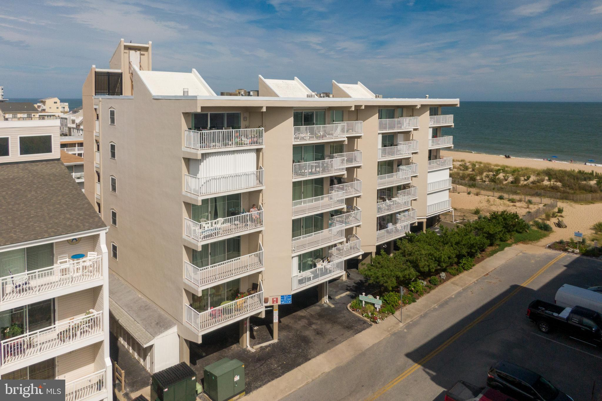 Fabulous location Oceanfront at 77th street! Jamaican Sun 102 is one off the ocean with fantastic oc
