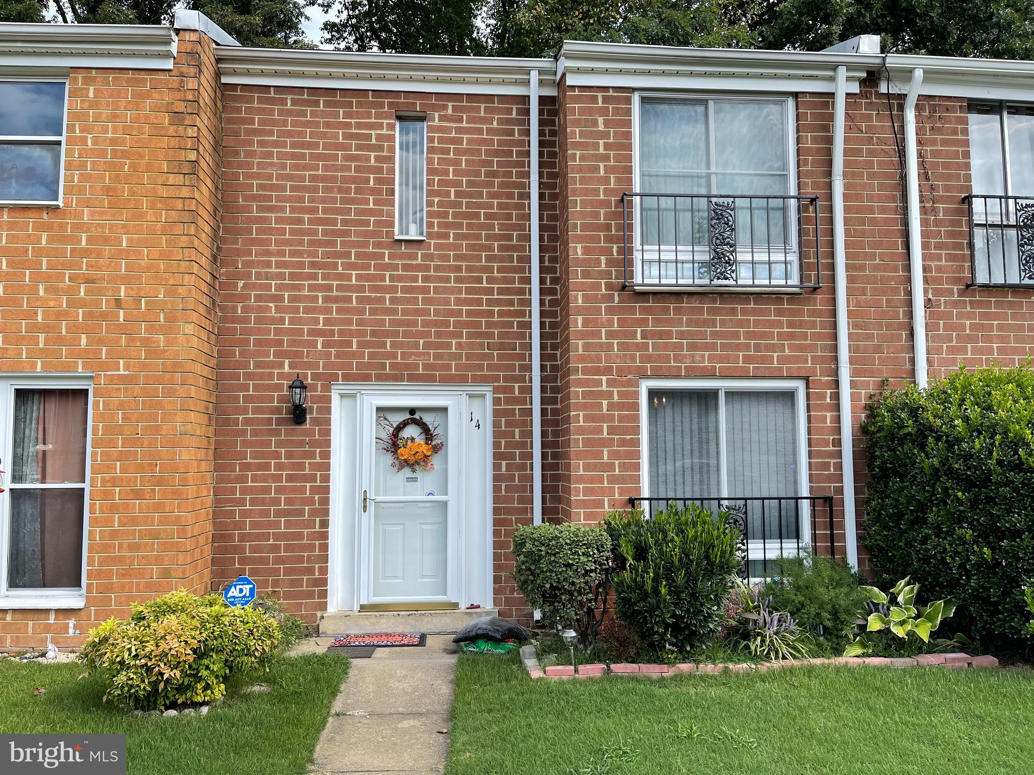 A must see 3 bed room 1/1 bath in Stafford Oaks. Main level features include newly renovated floorin