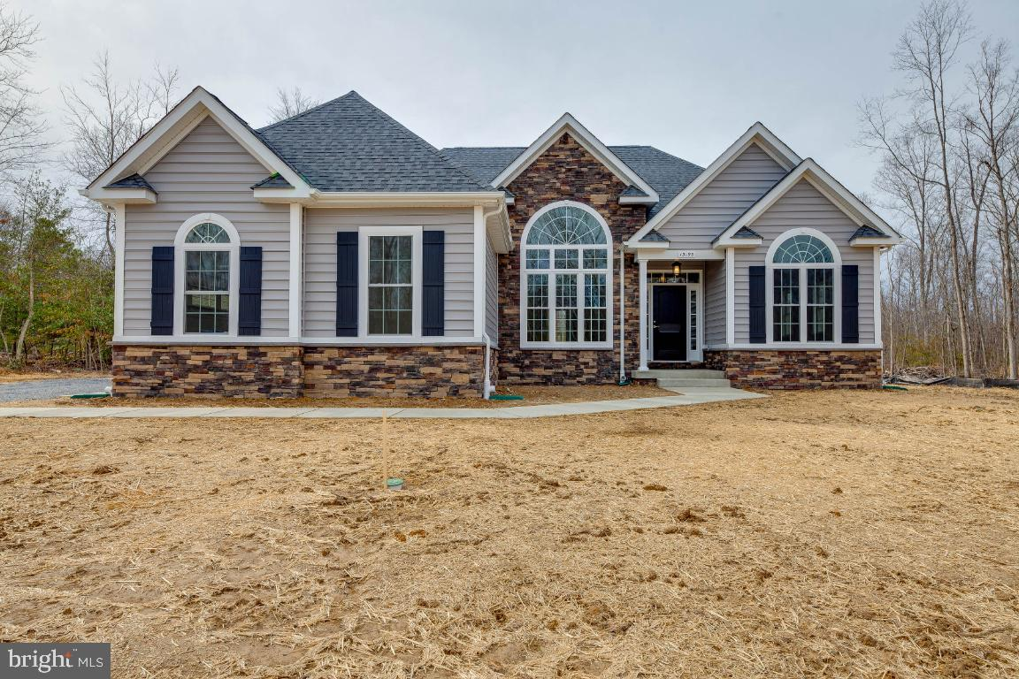 *THE HUNTSVILLE IS ONE OF OUR NEWEST ONE STORY HOMES*ROUGHLY 3200 TOTAL SQUARE FEET*THIS FAMILY FRIE