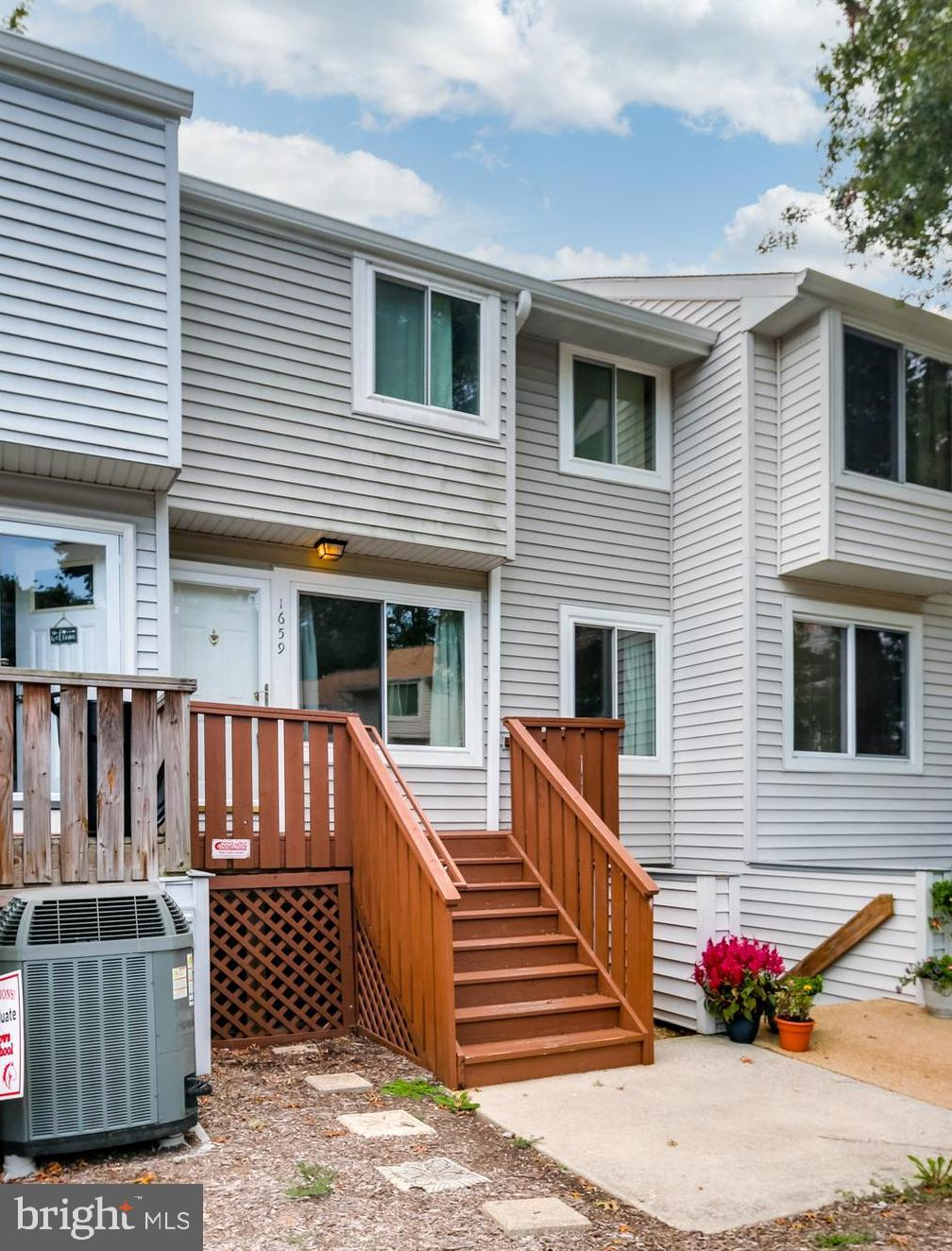 Welcome home to this two level townhome in this sought after Crofton community! Centrally located fo