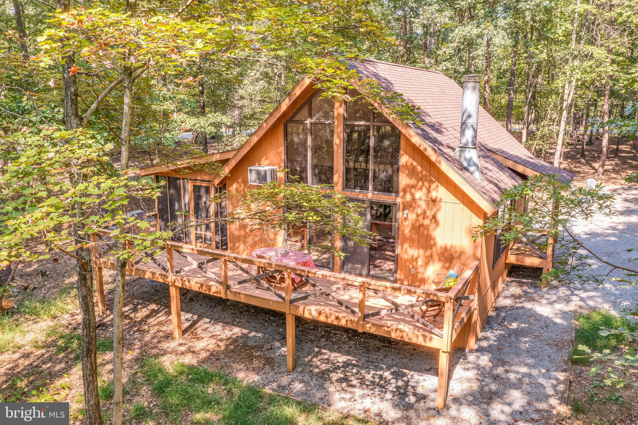 This Charming 2 Bedrooms, 1 Luxury Bath, Cabin On Private 1.05 Acre Wooded Lot In Walden Woods At Th