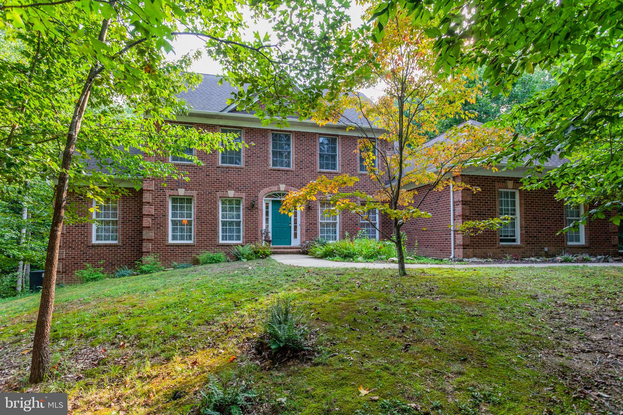 Welcome to 916 Decatur Rd nestled in highly sought-after Aquia Overlook. This 5 bedroom, 4.5 bathroo